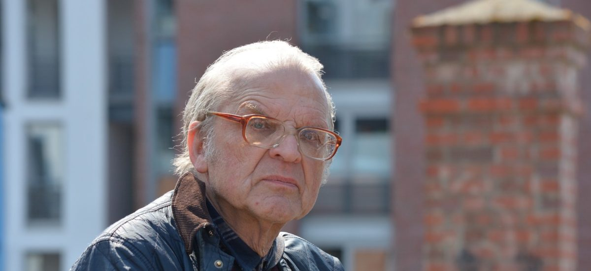 Mook News - old man