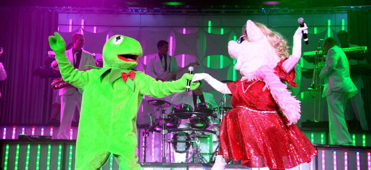 Mook News - Kermit Frog & Miss Piggy